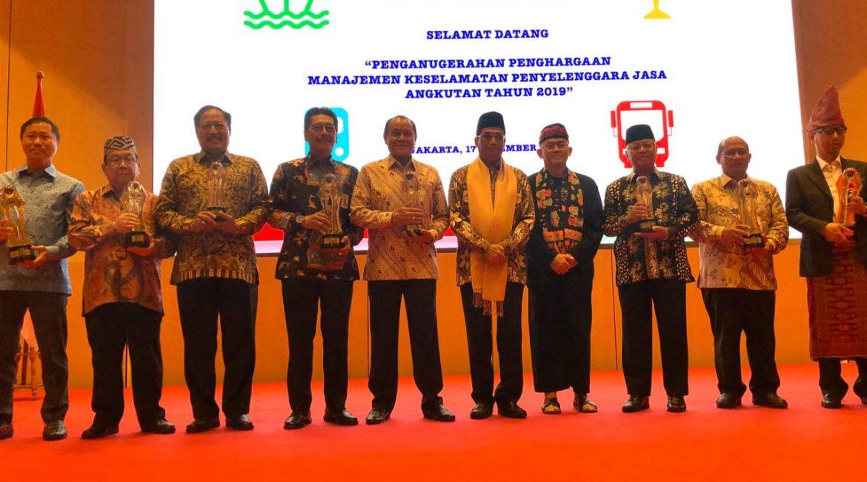 Dharma Lautan Utama Raih Penghargaan Manajemen Keselamatan Terbaik 2019