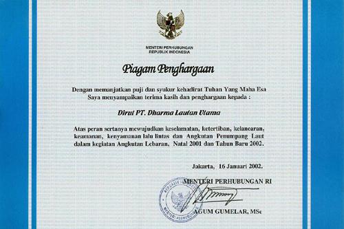 Piagam Penghargaan untuk Direktur Utama PT. Dharma Lautan Utama Tahun 2002